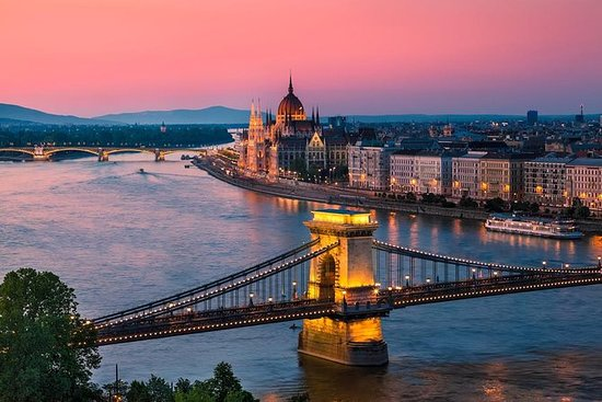 Win a weekend break to Budapest for 2!  (ends 05/27/2019) Giveaway Image