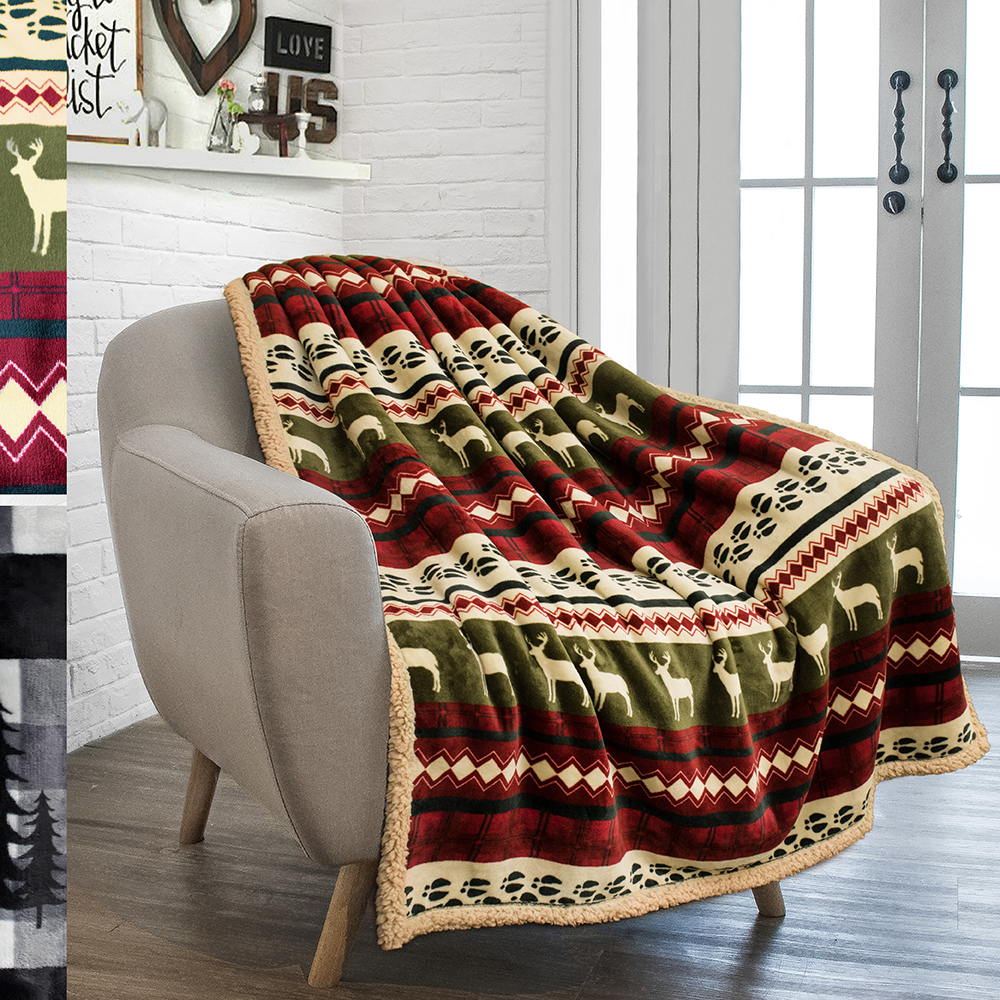Win a cozy Christmas blanket Giveaway Image