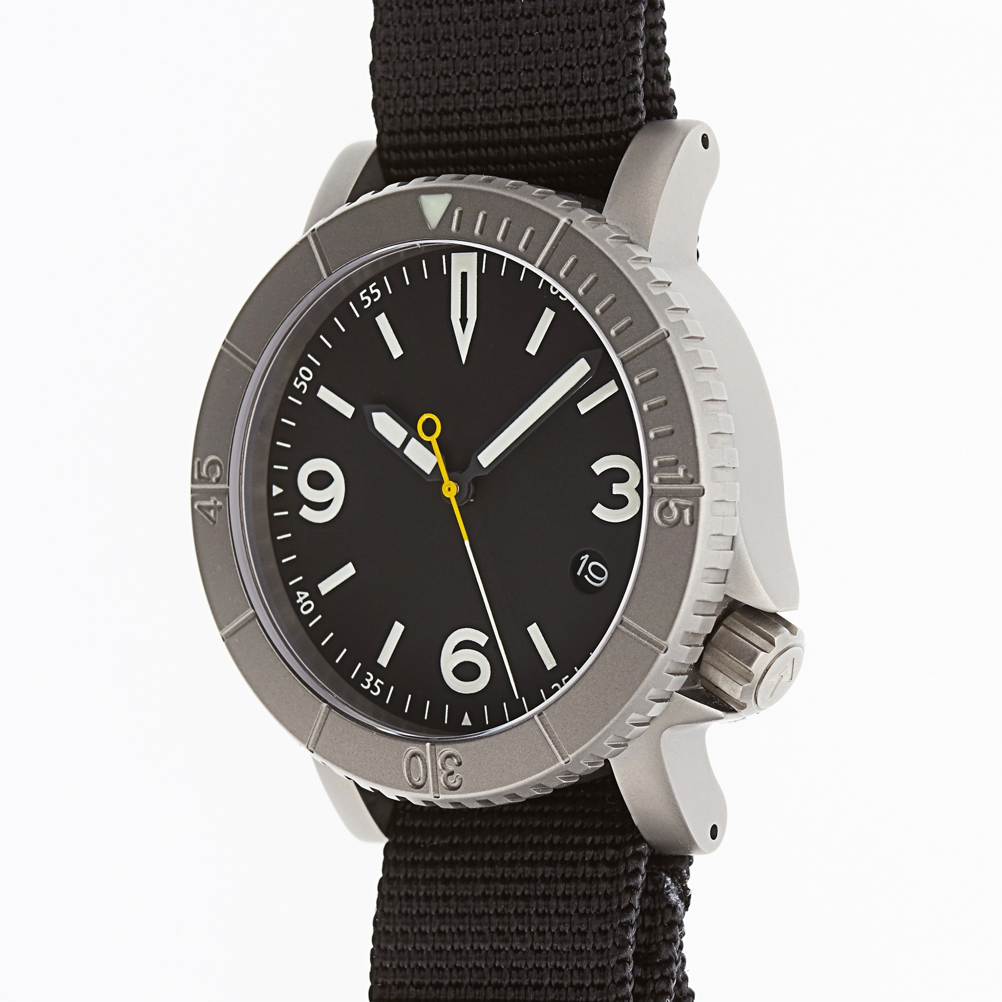 online contests, sweepstakes and giveaways - Win a Redux & Co. Titanium Pilot-Diver Watch and More